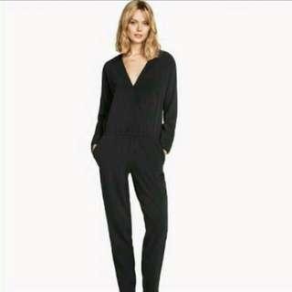 H&M/hnm jumpsuit v-neck black