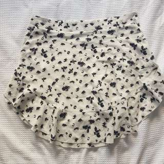 Black and white abstract spot skirt size 12