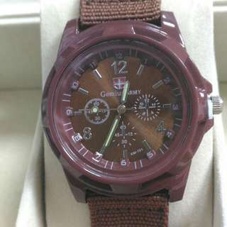 unisex fashionable style watch brown colour