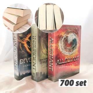 Trilogy book set: Divergent