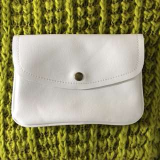 🚚 白色 簡約 側背 包