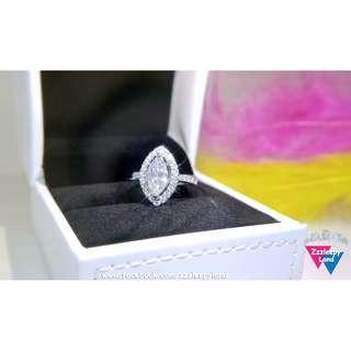 超閃主石2卡欖形高炭鑽臂鑲碎石S925純銀6層包金戒指