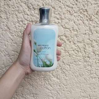 Authentic Bath & body works collection lotion 236 ml