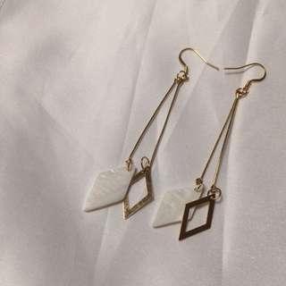 菱角貝殼耳環