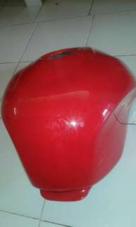 (Sale) CBR 150 r Fi 2012 red tank cover