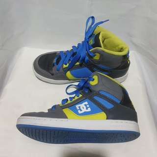 Authentic DC boys sneakers/rubber shoes