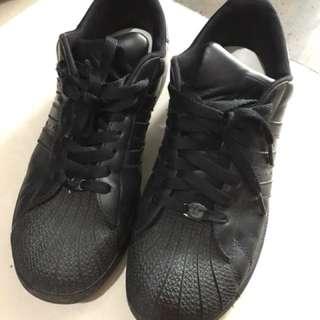 🚚 adidas全黑日本購入 24.5 二手
