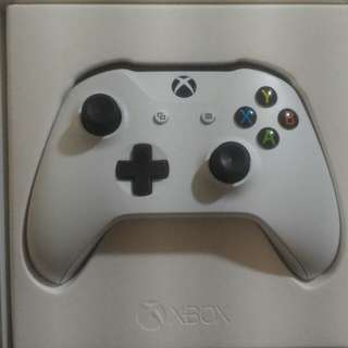 Xbox One S Bluetooth Controller