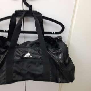 Adidas 健身包