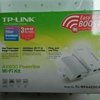 TP Link AV600 Powerline Wi-Fi KIT - Model No. TL-WPA4220