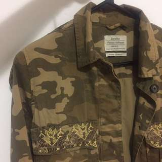 Bershka Original Camo denim jacket (M size)