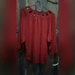 Kaos Merah Unik