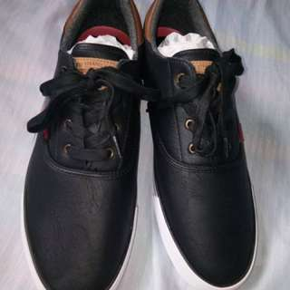 Levis shoes (leather material)