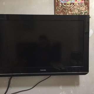 32吋電視