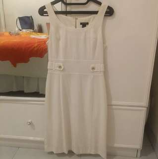 Dress Putih Tahari