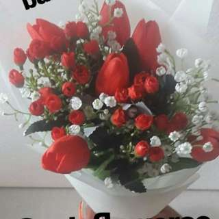 Valentine' s gift tulip flowers