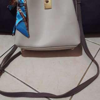 Sling bag impor no brand