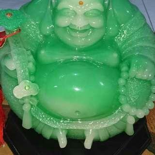 Giok Buddha ketawa