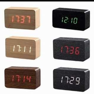 BNIB LED DIGITAL CLOCK WITH LIGHTS