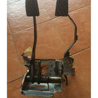 Break & clutch pedal Daihatsu Charade Espri 1.0