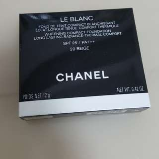 Chanel le blanc whitening compact foundation