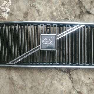 Volvo 850 grill