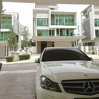 Mercedes Benz C250 Avant-garde Premium