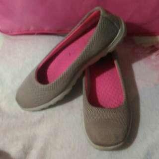 Skechers preloved shoes