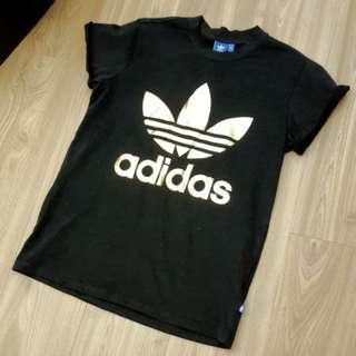 日本帶回adidas愛迪達金色Logo黑t