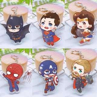 🚚 現貨🔻英雄 正義聯盟 復仇者 蜘蛛人 超人 美國隊長 蝙蝠俠 神力女超人 索爾 壓克力吊飾 鑰匙圈 雙面壓克力吊飾