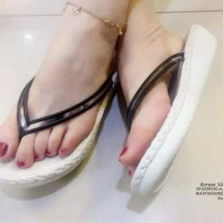 Korean slipper size : 35-39 ⚛️Adjust 1 size