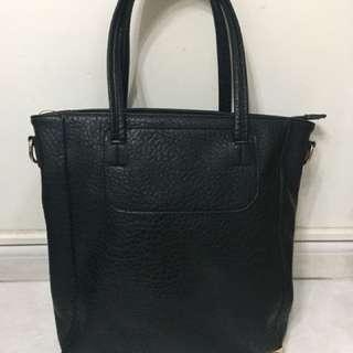 黑色側揹袋