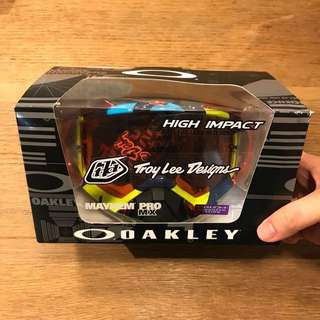 BNIB Oakley MX Motocross goggle Troy Lee design Prizm Mayhem Pro
