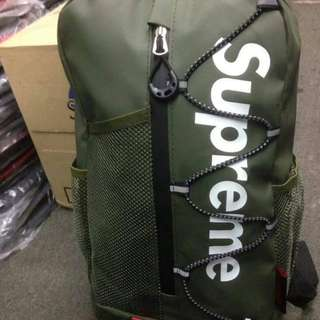 Supreme bagpack waterproof