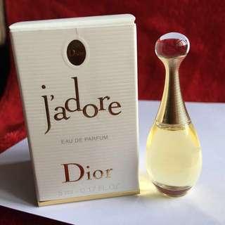 💯%Aunthentic 👉Christian Dior j'adore❤️Miniature Eau De Parfum 👉5m                                                       ❤️Brand New 👉Price $20 🌟Free postage