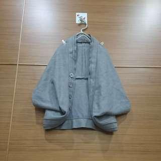 🚚 大出清~不議價…全新正反二穿毛料斗篷罩衫/背心外套