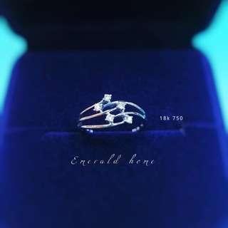 自家緬甸玉石珠寶完美追求者之選 。 價格: $1,800HKD 鑲嵌: 18k 750 尺寸: 13.5