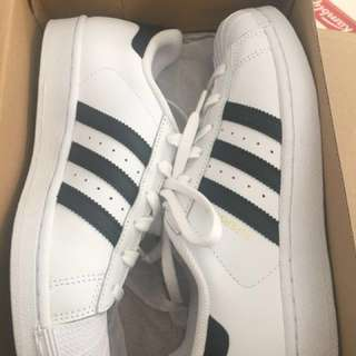 Adidas Superstar women's in size 7 Black and white