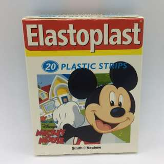 Mickey Mouse: band-aid/plaster