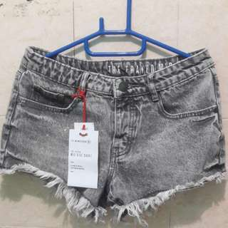 Cotton on mid rise short