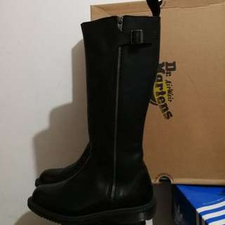 Dr Martens Authentic boots only used twice uk4 us6 37
