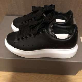 ALEXANDER MQUEEN 黑色厚底波鞋