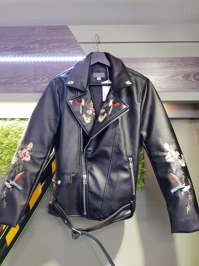 追加款刺繡皮外套 只追到兩件 超拉風 賣光光 追加價2700 sm各一 #princeh社團+1