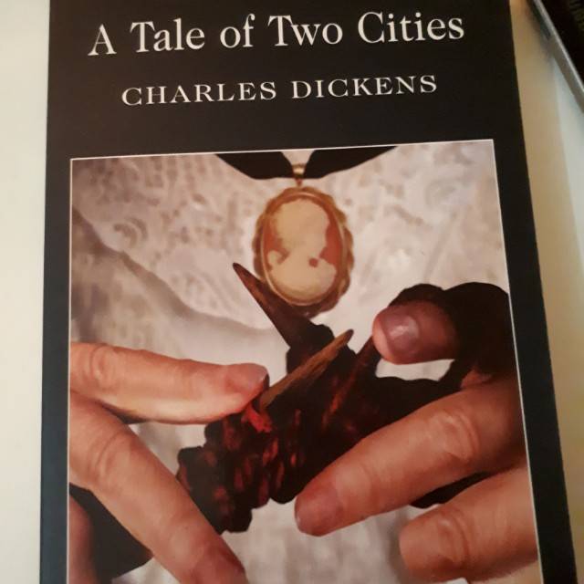 A Tale of Two Cities (English)