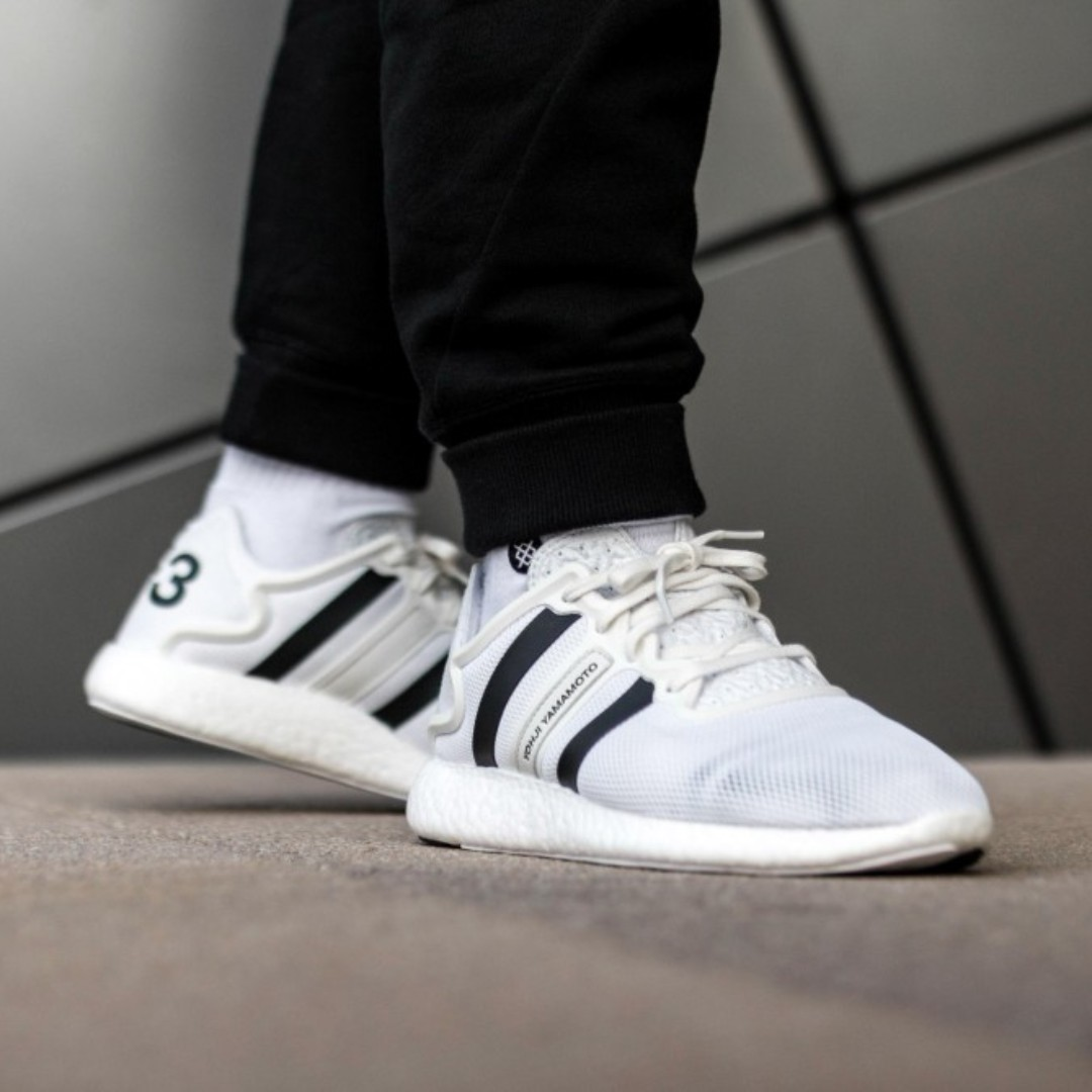 f6b47b79c03a9 ADIDAS Y-3 YOHJI RUN (FOOTWEAR WHITE CRYSTAL WHITE CORE BLACK ...