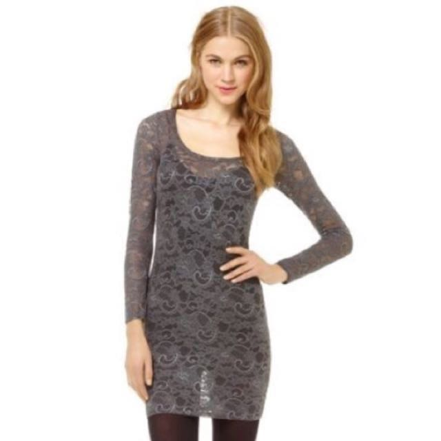 ARITZIA - Lace Charcoal Dress XXS