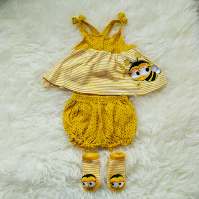 Baby bee outfit