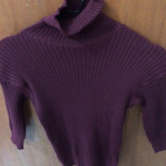 Baju trutle neck merah marun
