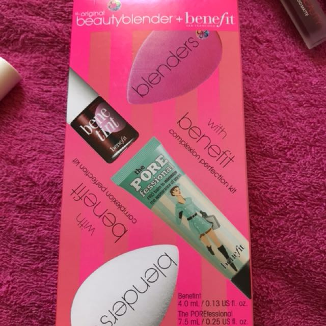 Benefit x beauty blender set