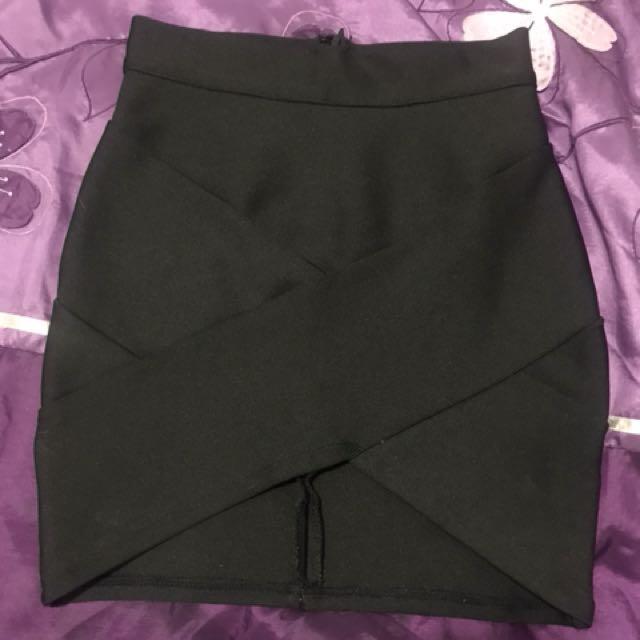 Blossom black bandage skirt size 8
